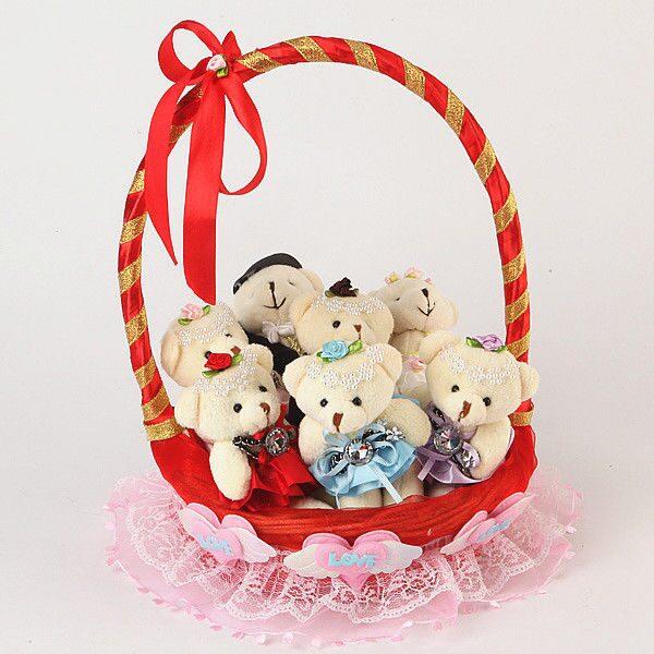 Цветы из конфет и игрушек